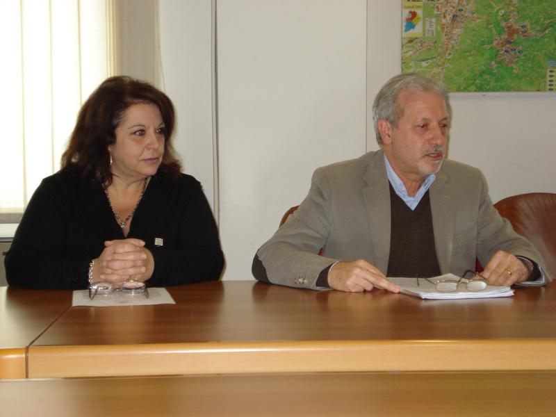 da sinistra Linda Ricci (assistente sociale Asl), Fiore Di Donato (Dipartimento Salute Mentale Asl)